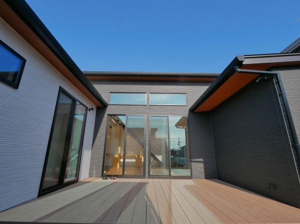 N様邸 勾配天井が開放的なモダンな家